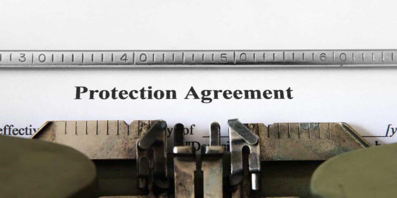 Legalities & Licenses: Free vs. Paid Stock Photo Sites